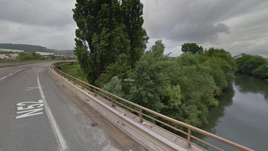 Le pont de Rombas sur la N52 (capture d'écran Google Maps)