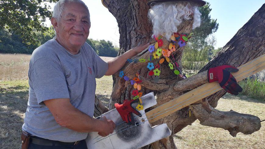 A défaut de jouer du limonaire pour le moment, Charles-Gabriel Castaldi fabrique des musiciens à partir de bois flotté