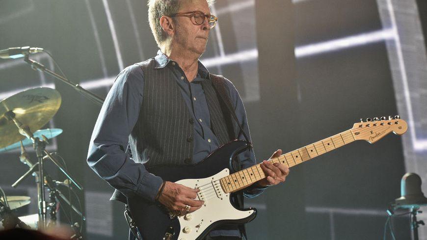 Eric Clapton sur scène.