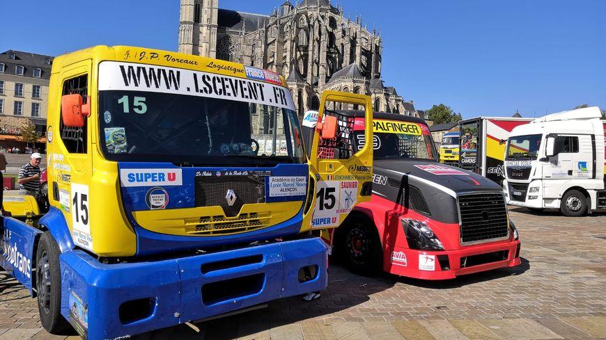 Une dizaine de camions étaient présentés au public sur la place des Jacobins, au Mans