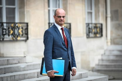 Il faut relancer l'enseignement de la langue arabe, a expliqué le ministre de l'Education nationale Jean-Michel Blanquer.