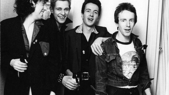 De gauche à droite, Mick Jones, Paul Simonon, Joe Strummer (1952 - 2002), Nicky 'Topper' Headon du groupe punk britannique The Clash à New York en 1978.