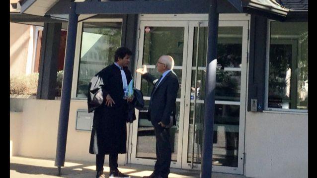 Le Maire de Bayonne Jean-rené Etchegarray ( à droite sur la photo) avec son avocat Pierre Cambot