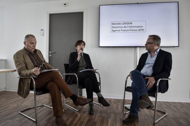 Le directeur du quotidien polonais Gazeta Wyborcza, Jaroslaw Kurski (à gauche).