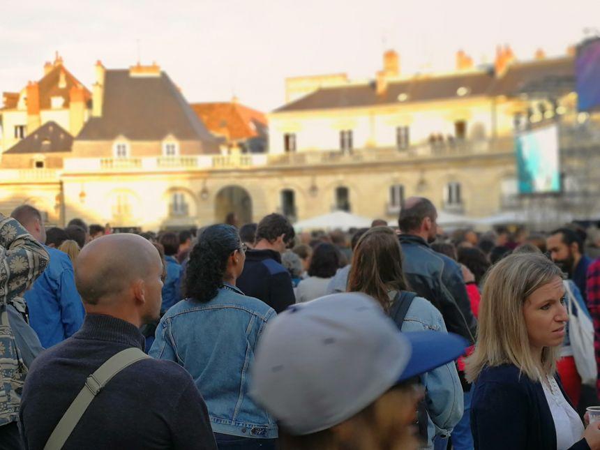 La foule des grands jours ce vendredi soir en centre-ville de Dijon