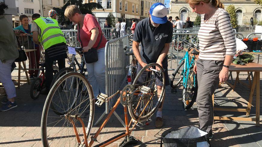 Les prix vont de 15 € pour un vélo enfant à 400 € pour un vélo plus sophistiqué.