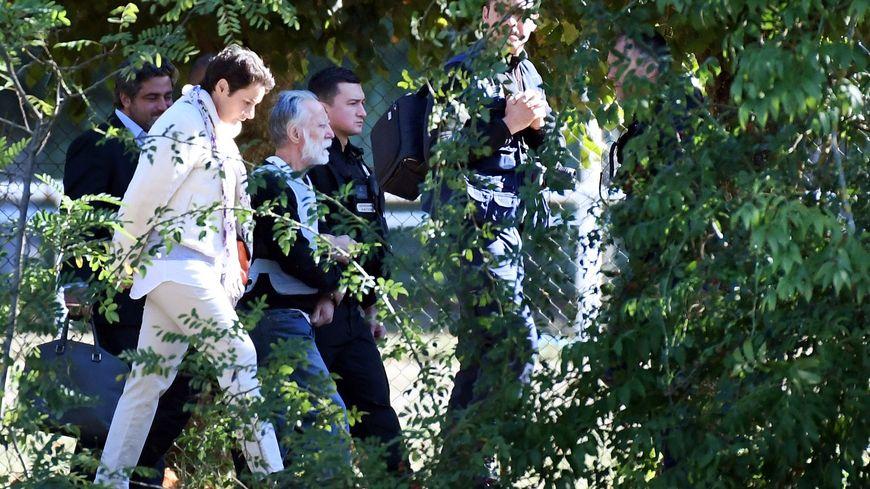 Michel Fourniret a été déplacé à Monéteau mardi (Yonne), là ou le corps de Joanna Parrish, une jeune assistante britannique, avait été découvert en 1990.