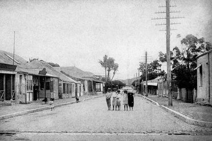 Une rue de Nouméa en 1899