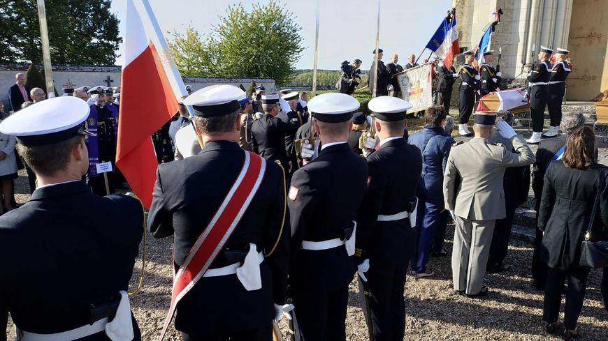 La cérémonie à Montrésor a commencé au cimetière de la commune tourangelle