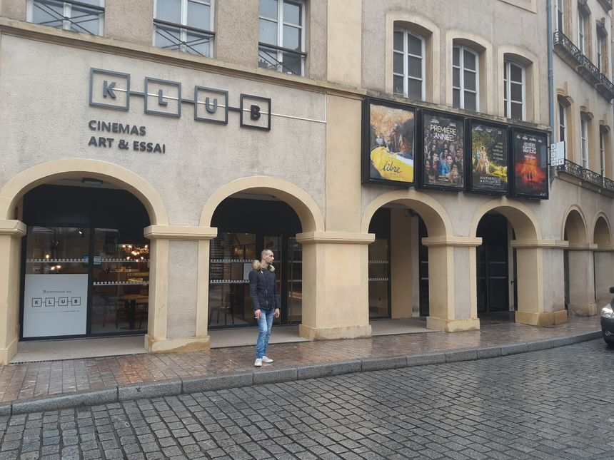 Le cinéma Klub, dans lequel le CMLM a essayé de faire dormir environ 25 migrants.