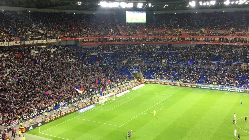 L'OM chute lourdement à Lyon (4-2)