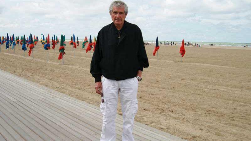 Claude Lelouch sur les planches, plage de Deauville (archives).