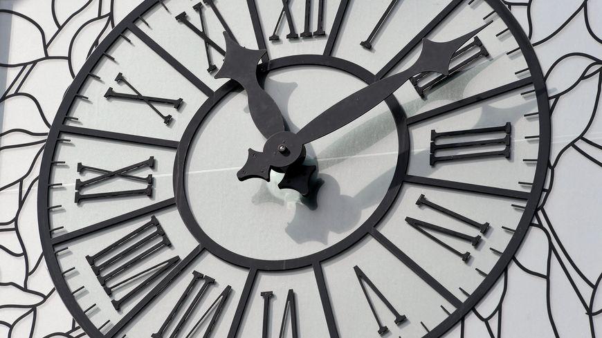 Le changement d'heure devrait prendre fin en 2019