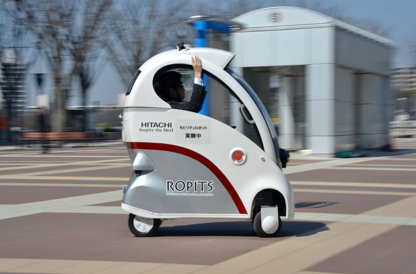 """La voiture autonome """"Ropits"""" du constructeur japonais Hitachi"""