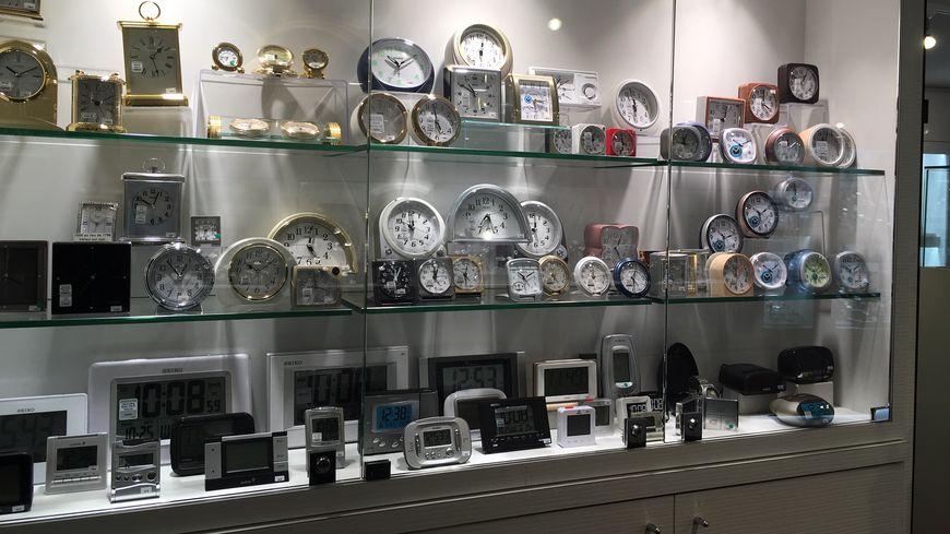 Pensez à régler vos montres : A 3 heures du matin dans la nuit de samedi à dimanche il sera en réalité deux heures.