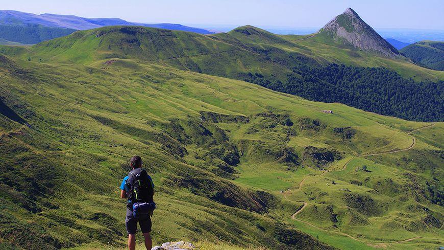 Sur le GR® 400 dans le Cantal