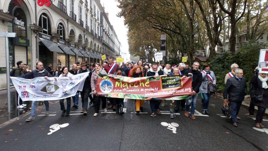 Associations de consommateurs et commerçants ensemble contre le projet de village des marques de Sorigny