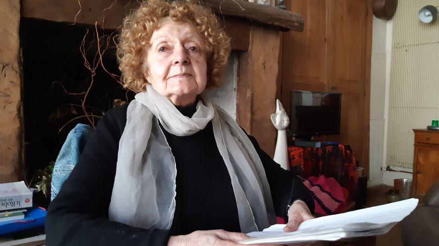 """Odette Simonneau répète le texte de la la pièce """"Je me suis tue"""", mis en scène par Jean-Claude Drouot"""