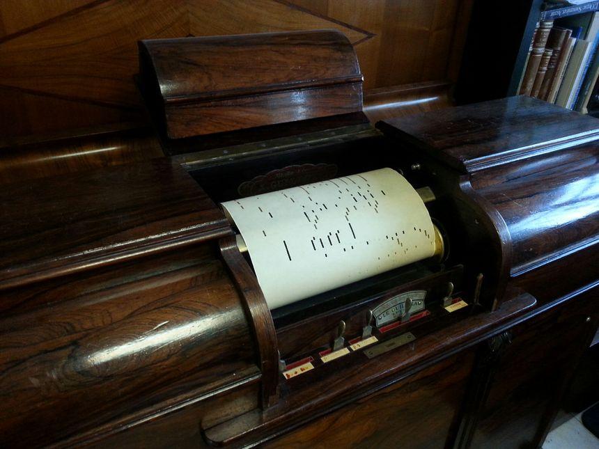 Le pianola, restauré par Victor Mangeol - Radio France