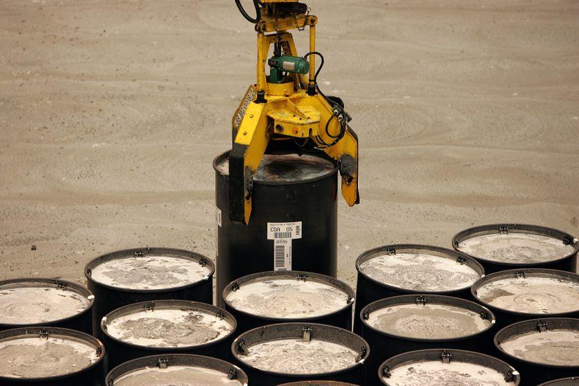 Un fût métallique, renfermant des déchets nucléaires