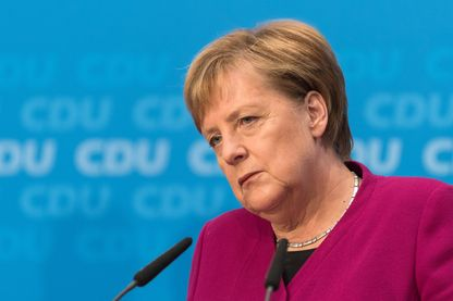 Angela Merkel annonçant sa décision de renoncer à diriger la CDU après le revers électoral en Hesse