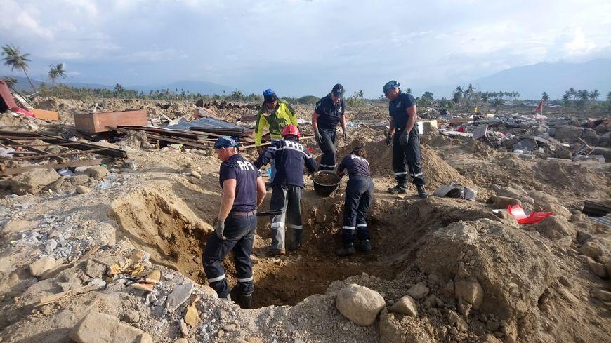 Dernier bilan de la catastrophe : 2000 tués et 5000 disparus