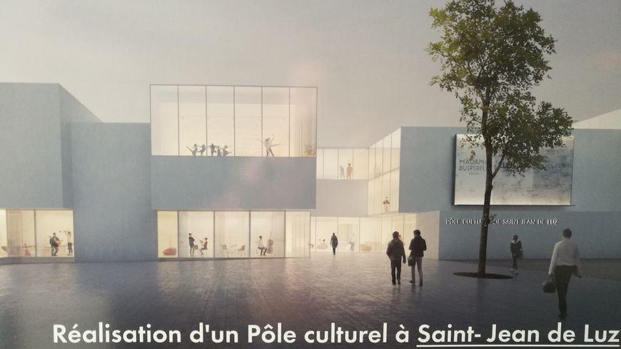 La façade du futur pôle culturel de Saint Jean de Luz