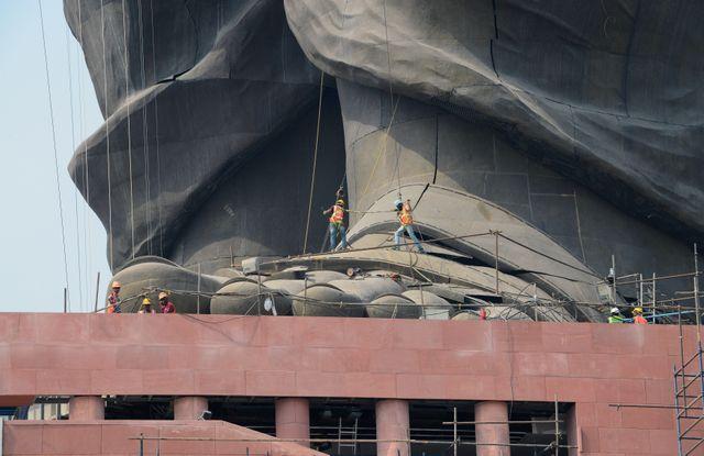 La statue de 182 mètres est la plus haute du monde, deux fois plus grande que la statue de la Liberté