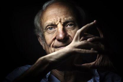 Jean Hatzfeld,  journaliste et écrivain français, auteur de nombreux reportages de guerre...