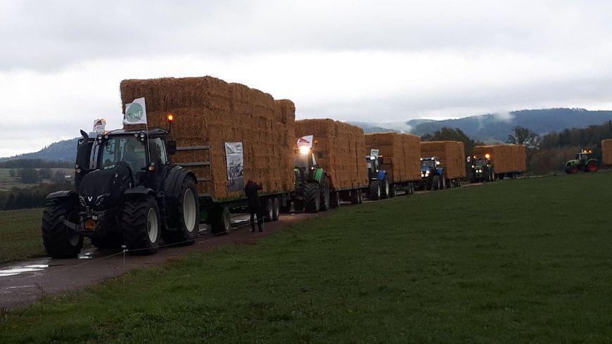 Les tracteurs vosgiens reviennent de l'Aube ce mardi 30 octobre avec près de 260 tonnes de paille