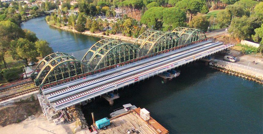 Vue aérienne des deux ponts