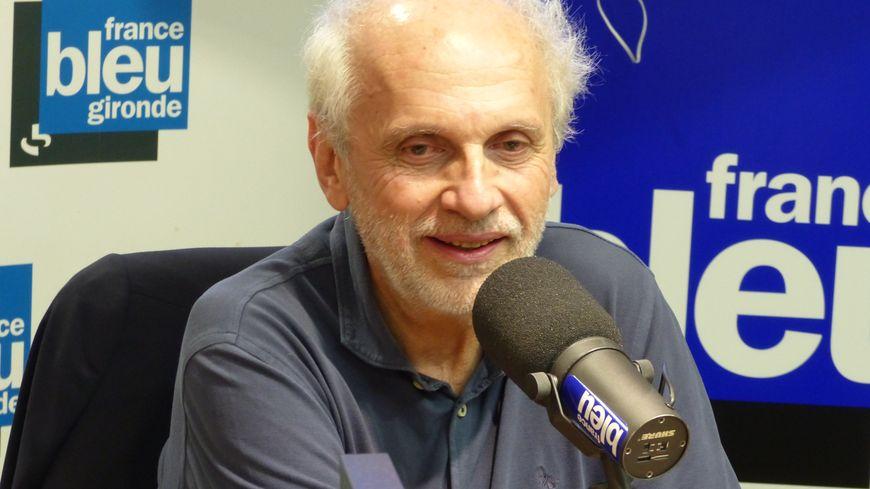 Norbert Fradin dans le studio de France Bleu Gironde