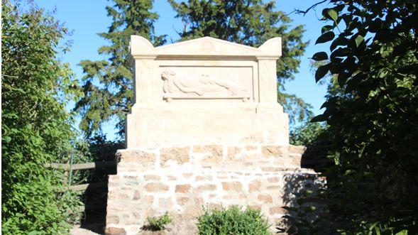 Le tombeau de Marie JOLY à la Brèche au Diable