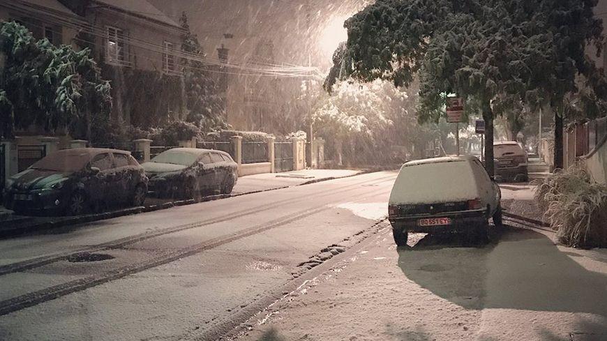 Il a neigé cette nuit dans le centre-ville d'Orléans