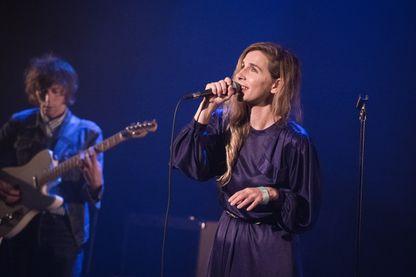 Barbara Carlotti, chanteuse et artiste française, sur la scène du Café de la Danse en juin 2018 !