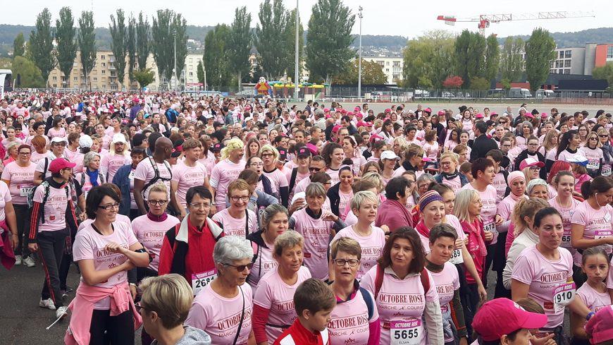 6880 personnes ont participé à la course d'Octobre Rose à Tomblaine
