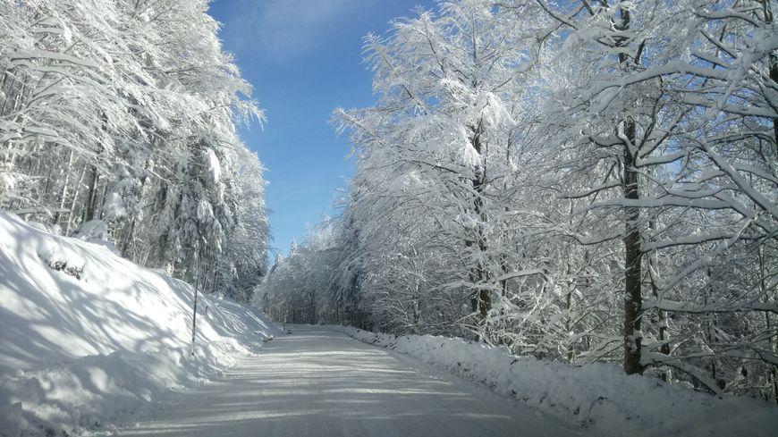 La neige ne devrait pas tenir longtemps sur la chaussée