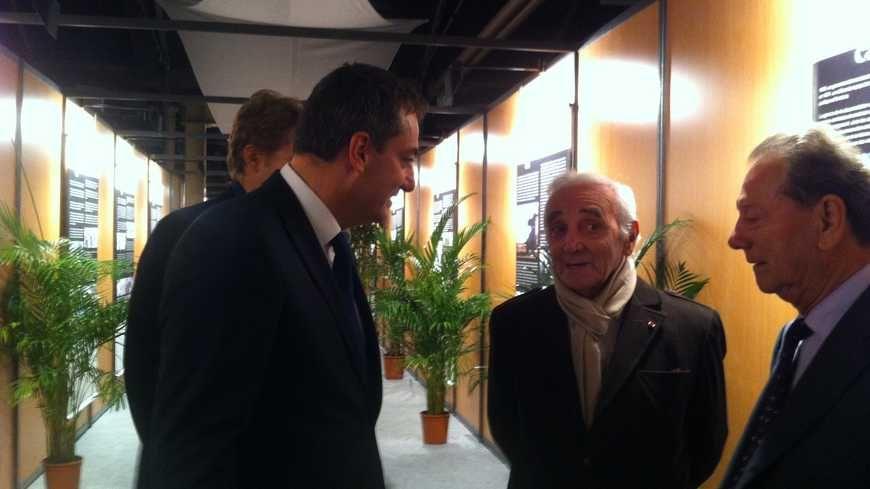Charles Aznavour aux Assises franco-arméniennes à Valence en octobre 2013