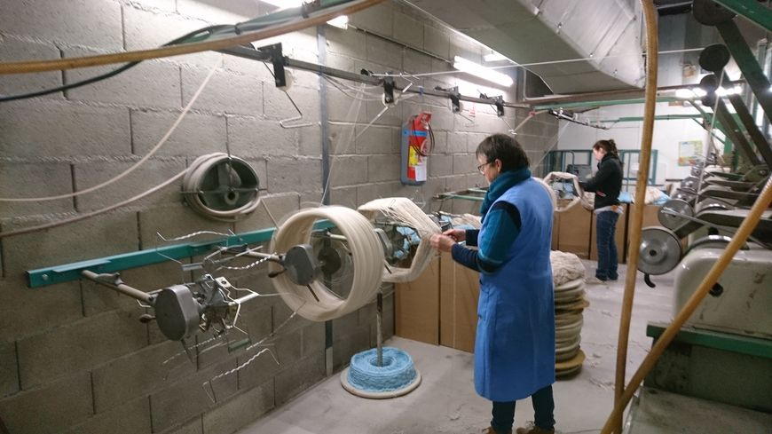Pour en faire découvrir davantage sur la fabrication de la laine, les 20 salariés de la filature de Rougnat ouvrent les portes de leurs ateliers.