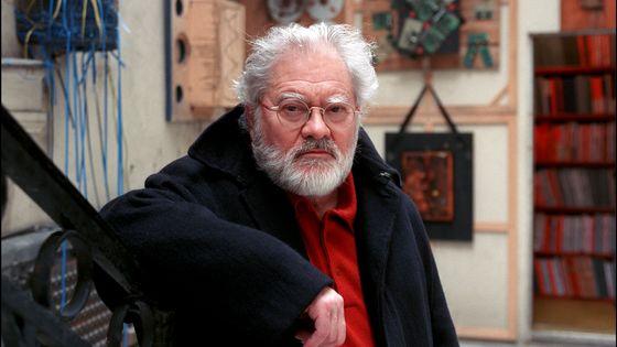 Pierre Henry dans son appartement en avril 2002.