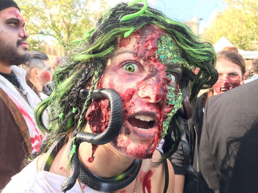 Il faut plusieurs heures de maquillage pour parvenir à ce résultat...effrayant.