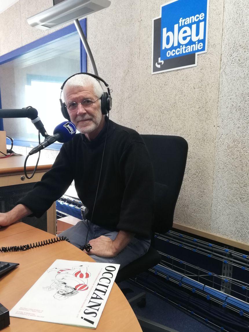 Eric Fraj dans les studios de France Bleu Occitanie