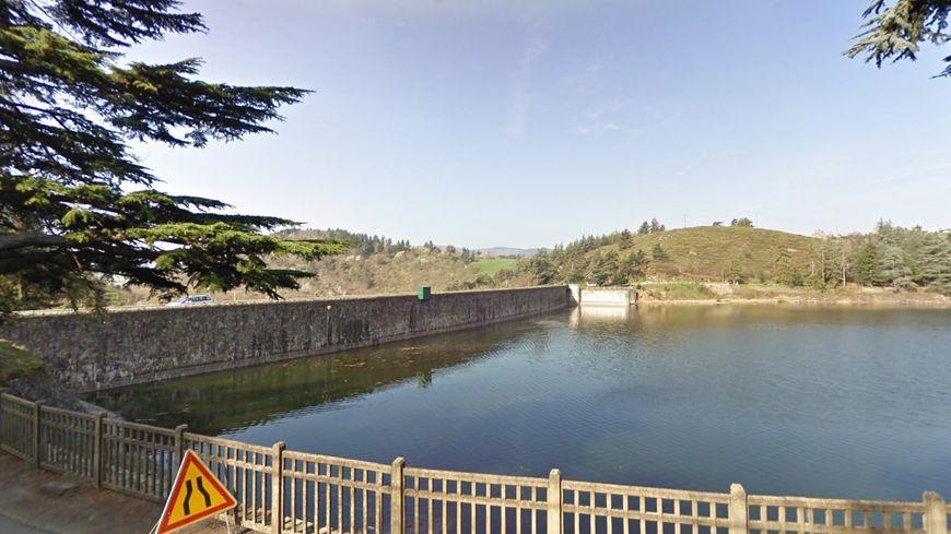 Le barrage du Ternay (capture d'écran GoogleStreetView).