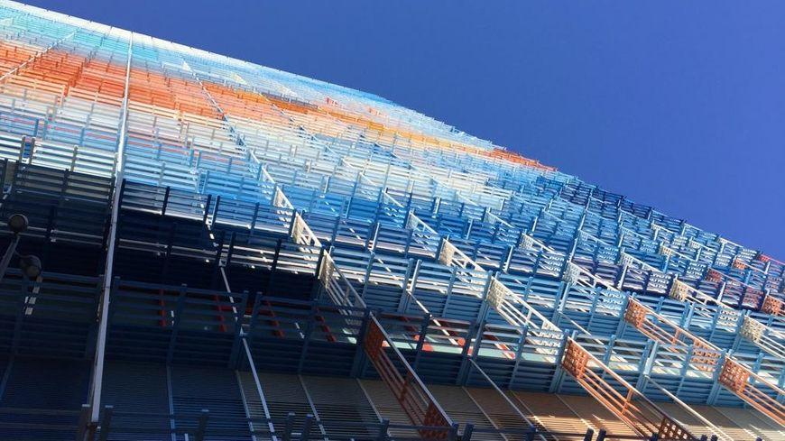 La Tour La Marseillaise abrite 35.000 m2 de bureaux.