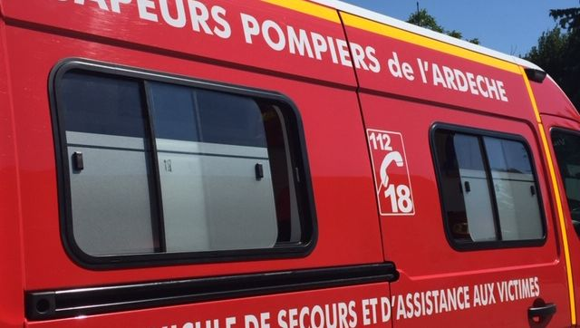 Ardèche : il veut brûler des mauvaises herbes et met le feu chez ses voisins