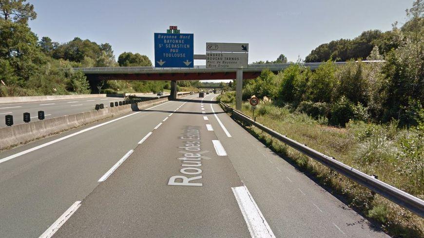 L' Autoroute A63 fermée à Ondres suite à un accident impliquant quatre poids lourds