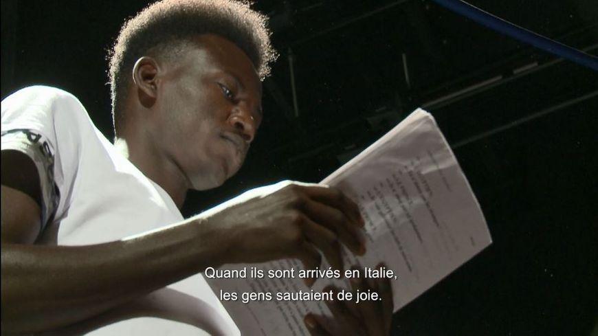 Taoufik, un jeune Soudanais de 24 ans, l'un des comédiens amateurs des Suppliantes.