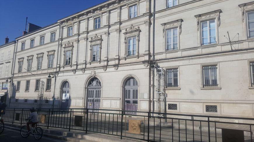 Les bâtiments de l'ancien collège Anatole Bailly, propriété de la ville d'Orléans, pourraient accueillir deux grandes écoles
