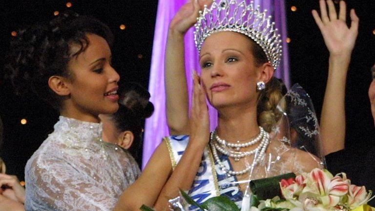 Quarante robes de Miss dont la robe de mariée de Sonia Rolland, Miss france 2000, ont été volées.