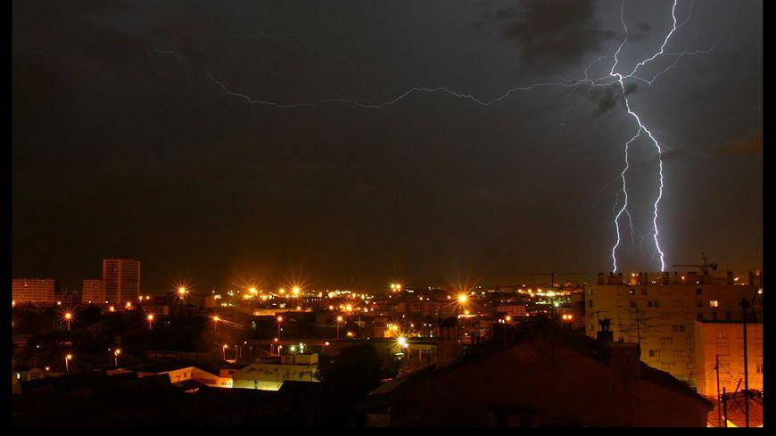 De fortes précipitations sont attendues dans la nuit du mercredi 31 octobre au jeudi 1er novembre